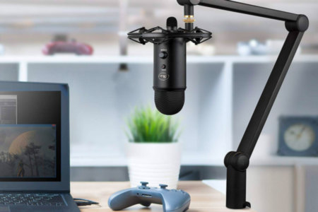Blue Yeticaster USB Microphone With Boom Arm