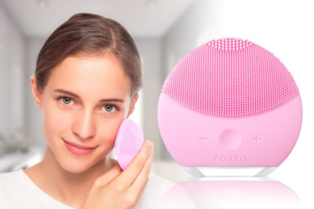 Foreo Luna Electronic Facial Cleansing Brush